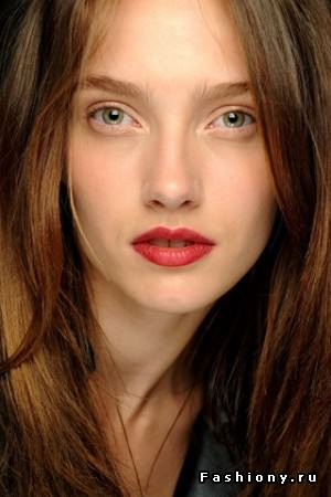 Шанель макияж губ