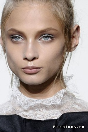make-up-Valentino