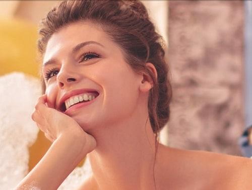Увеличить губы при помощи макияжа