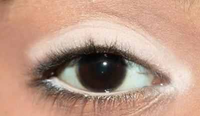 как использовать белый карандаш при азиатских глазах или глубоко посаженных глазах -3